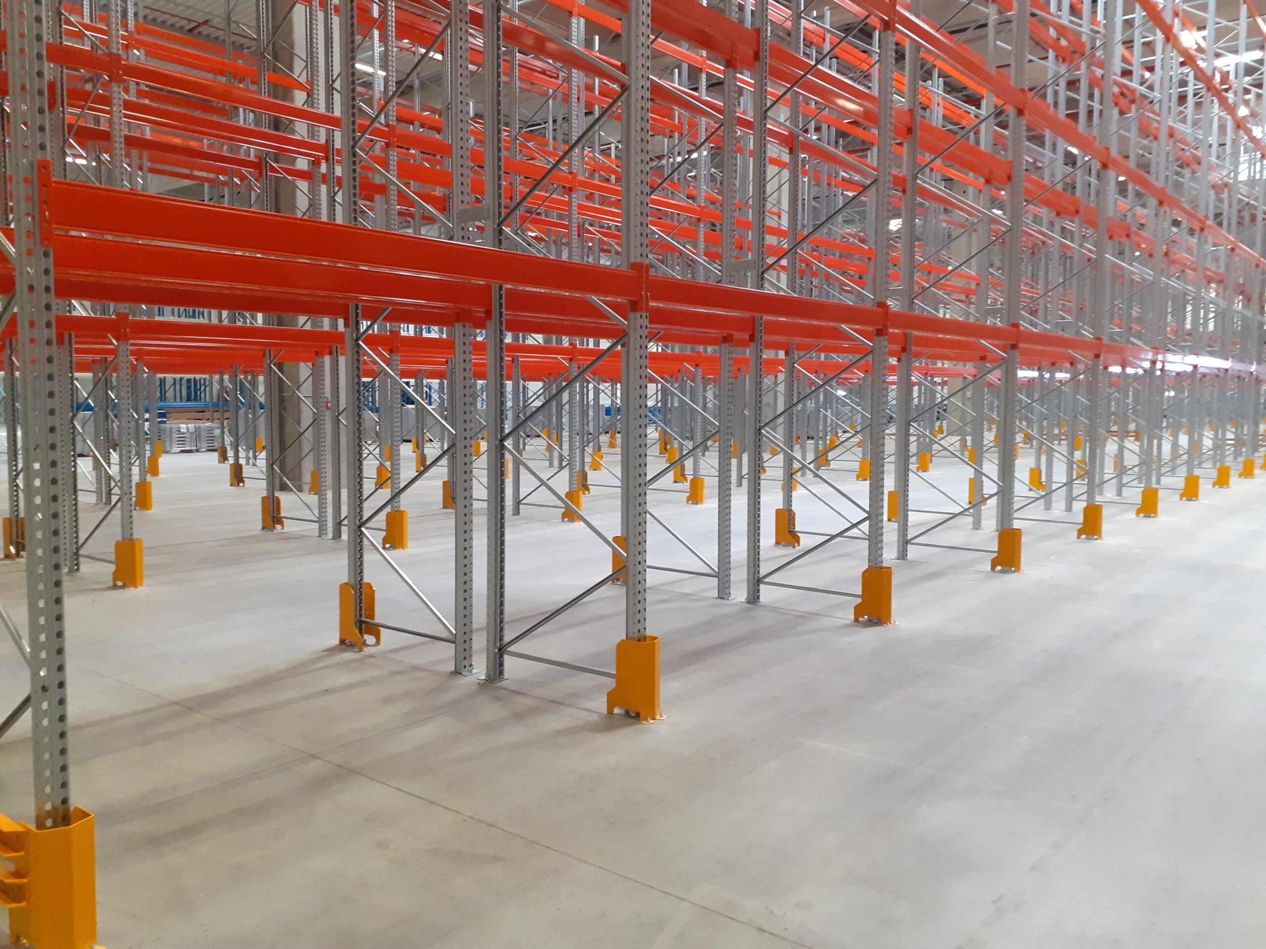 pallet racl system-view from a side